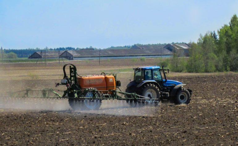 Épandages de pesticides, participez à la consultation publique 🚜
