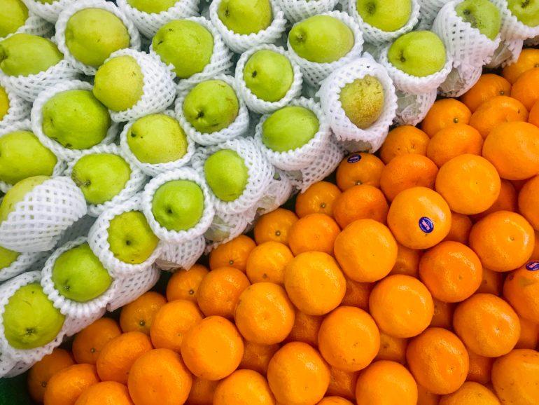 🥝 Des fruits et des légumes dans des contenants en plastique, c'est bientôt fini ?